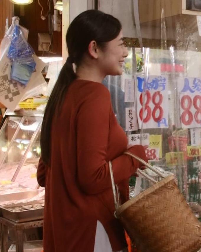 片山萌美 「居酒屋ぼったくり」ニット横乳などキャプ・エロ画像3