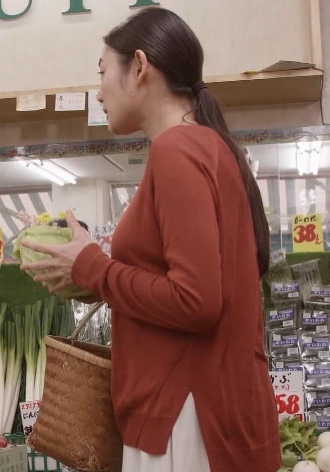 片山萌美 「居酒屋ぼったくり」ニット横乳などキャプ・エロ画像7