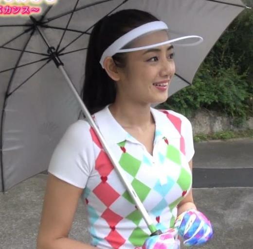 片山萌美 ゴルフするにはエロ過ぎるゴルフウェアキャプ画像(エロ・アイコラ画像)