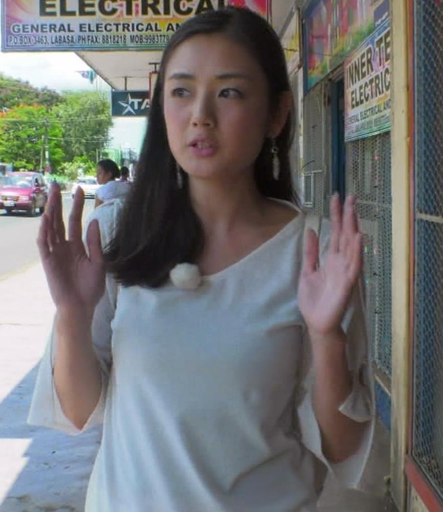 片山萌美 終始エロいBSフジの旅番組キャプ・エロ画像11