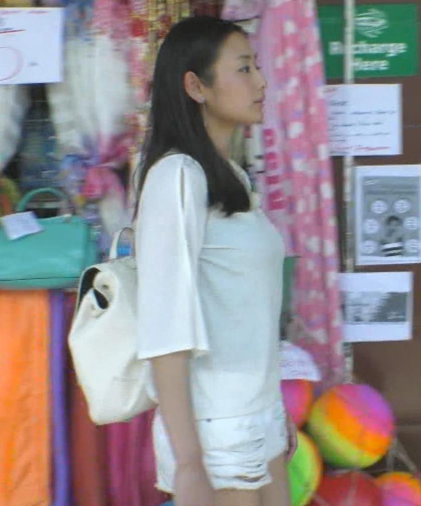 片山萌美 終始エロいBSフジの旅番組キャプ・エロ画像12