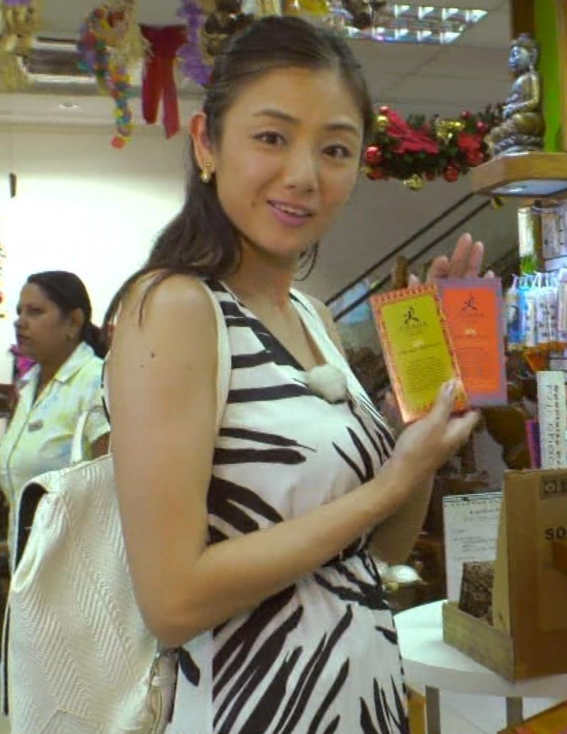 片山萌美 終始エロいBSフジの旅番組キャプ・エロ画像6
