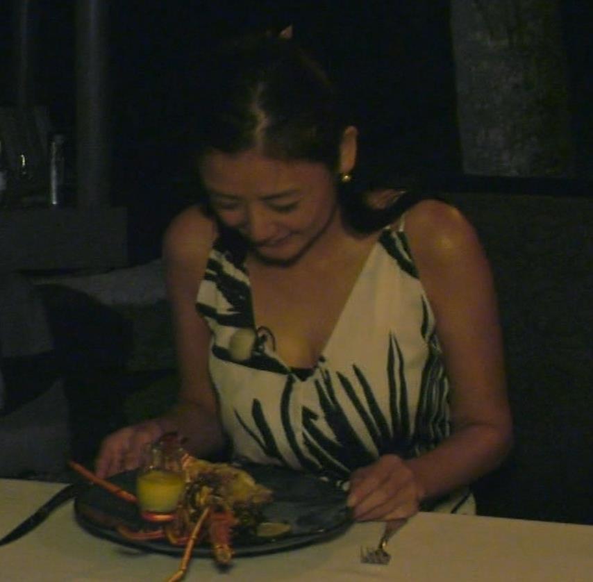 片山萌美 終始エロいBSフジの旅番組キャプ・エロ画像9