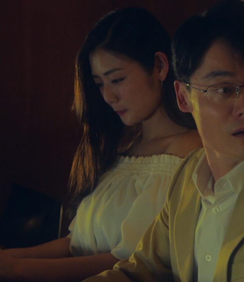 片山萌美 地上波ドラマでのエロ要員。けっこう脱いでるキャプ・エロ画像19