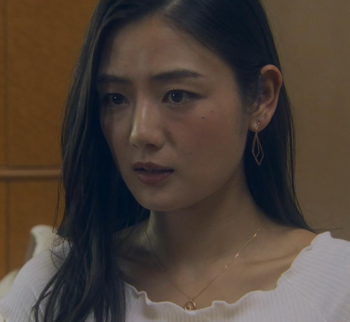 片山萌美 地上波ドラマでのエロ要員。けっこう脱いでるキャプ・エロ画像28