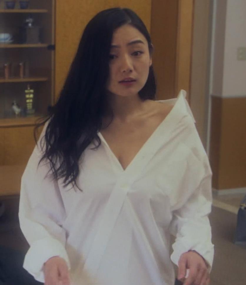 片山萌美 地上波ドラマでのエロ要員。けっこう脱いでるキャプ・エロ画像6