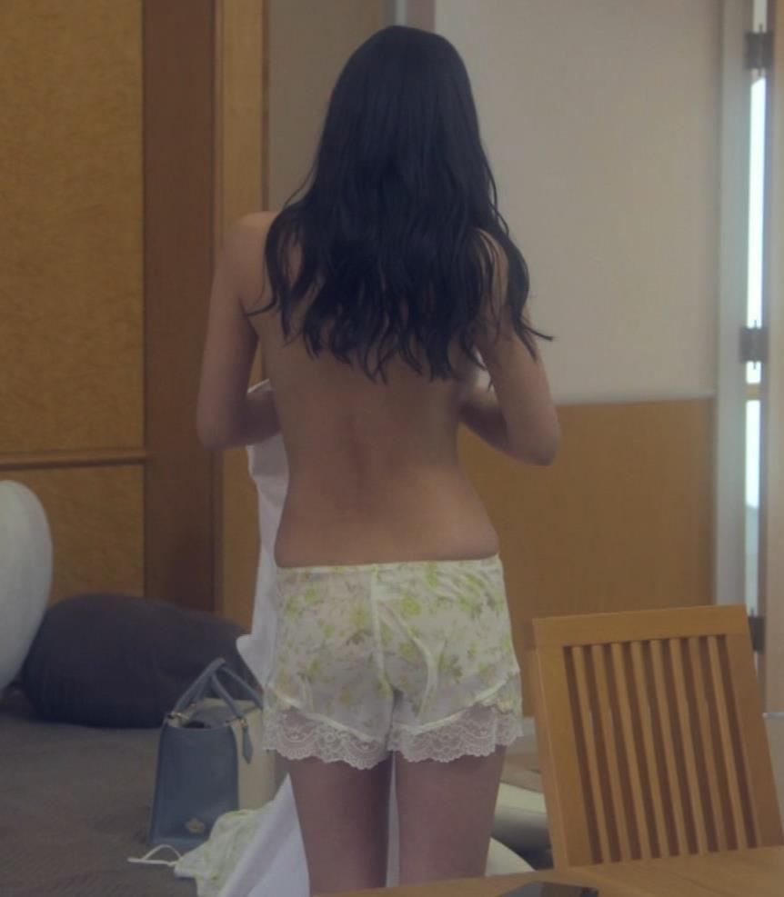 片山萌美 地上波ドラマでのエロ要員。けっこう脱いでるキャプ・エロ画像10