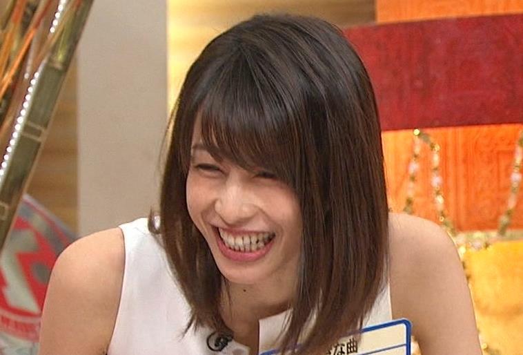 加藤綾子アナ またノースリーブのワキチラがエロいキャプ・エロ画像10