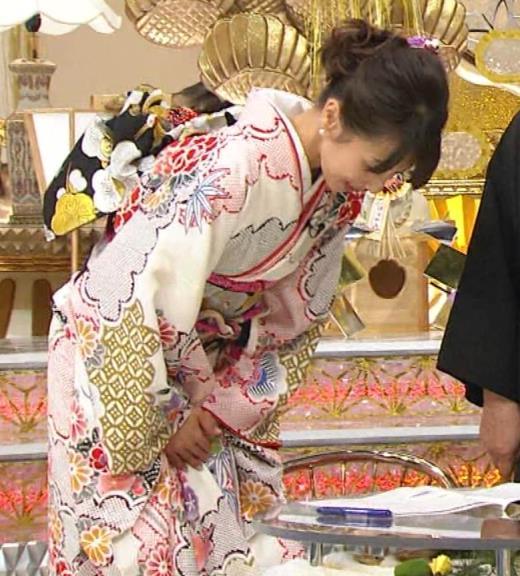 加藤綾子 振り袖姿キャプ画像(エロ・アイコラ画像)