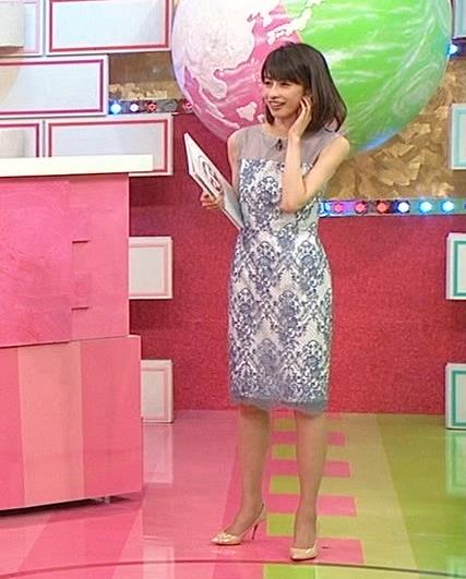 加藤綾子 一応透けてるノースリーブキャプ・エロ画像7