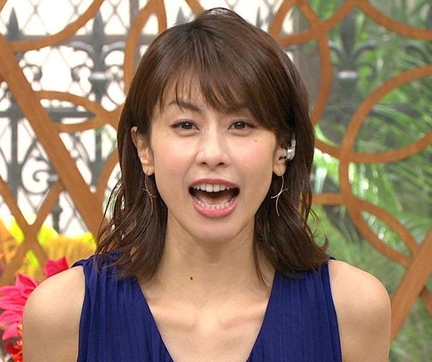 加藤綾子アナ 肌の露出が多いノースリーブキャプ・エロ画像2