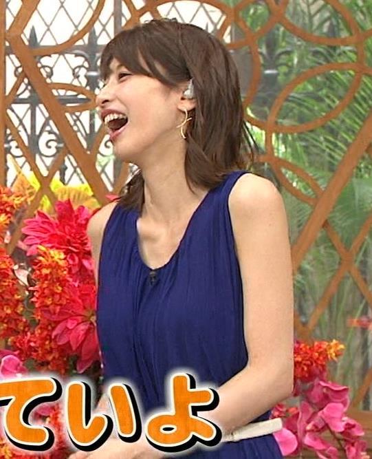 加藤綾子アナ 肌の露出が多いノースリーブキャプ・エロ画像7