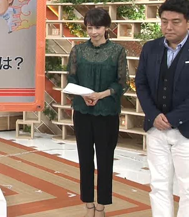 加藤綾子 スケスケ衣装でキャミソール丸見えキャプ・エロ画像13