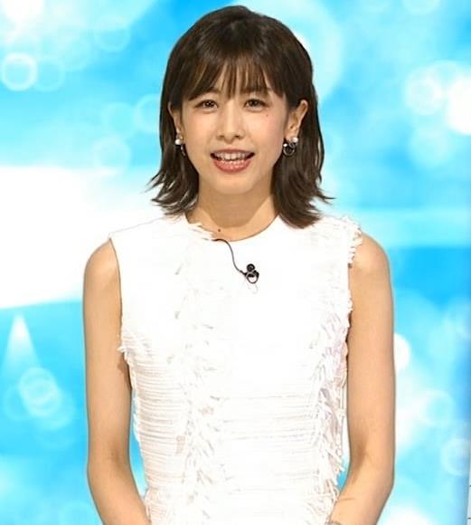 加藤綾子 白いノースリーブキャプ・エロ画像