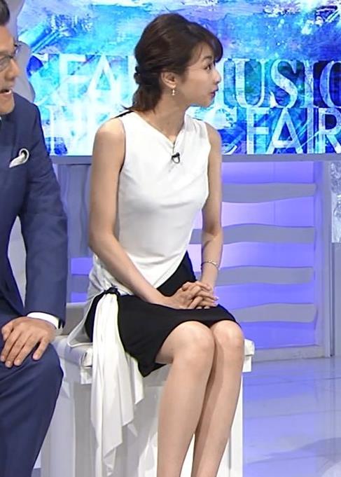 加藤綾子 パツパツ衣装でお胸が大変なことに!キャプ・エロ画像2