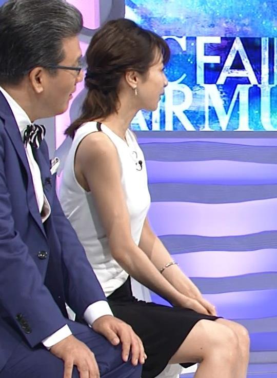 加藤綾子 パツパツ衣装でお胸が大変なことに!キャプ・エロ画像3