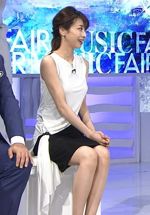 加藤綾子 パツパツ衣装でお胸が大変なことに!キャプ・エロ画像4