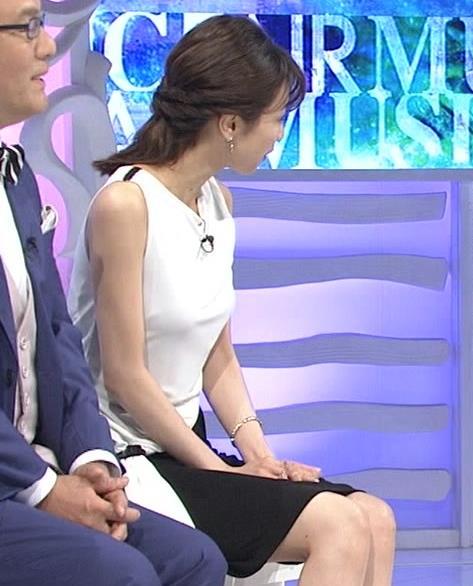 加藤綾子 パツパツ衣装でお胸が大変なことに!キャプ・エロ画像6