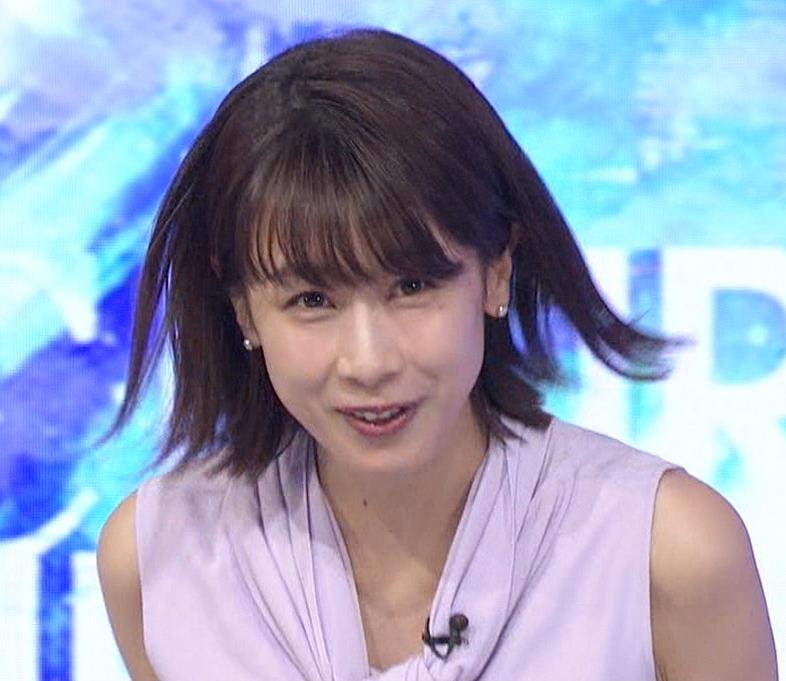 加藤綾子 ノースリーブの白い肌キャプ・エロ画像11