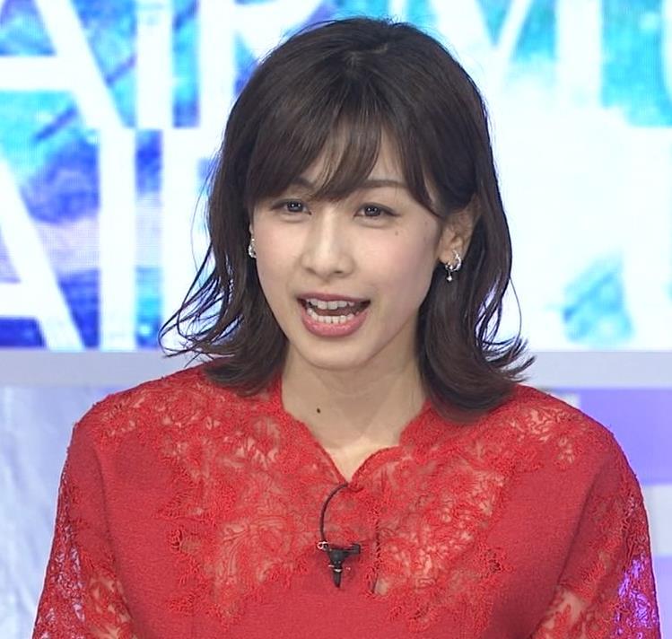 加藤綾子 チャイナドレス風衣装がエロいキャプ・エロ画像4