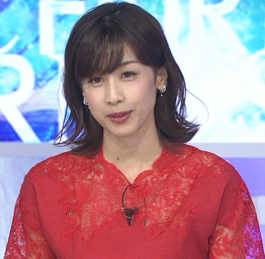 加藤綾子 チャイナドレス風衣装がエロいキャプ・エロ画像8