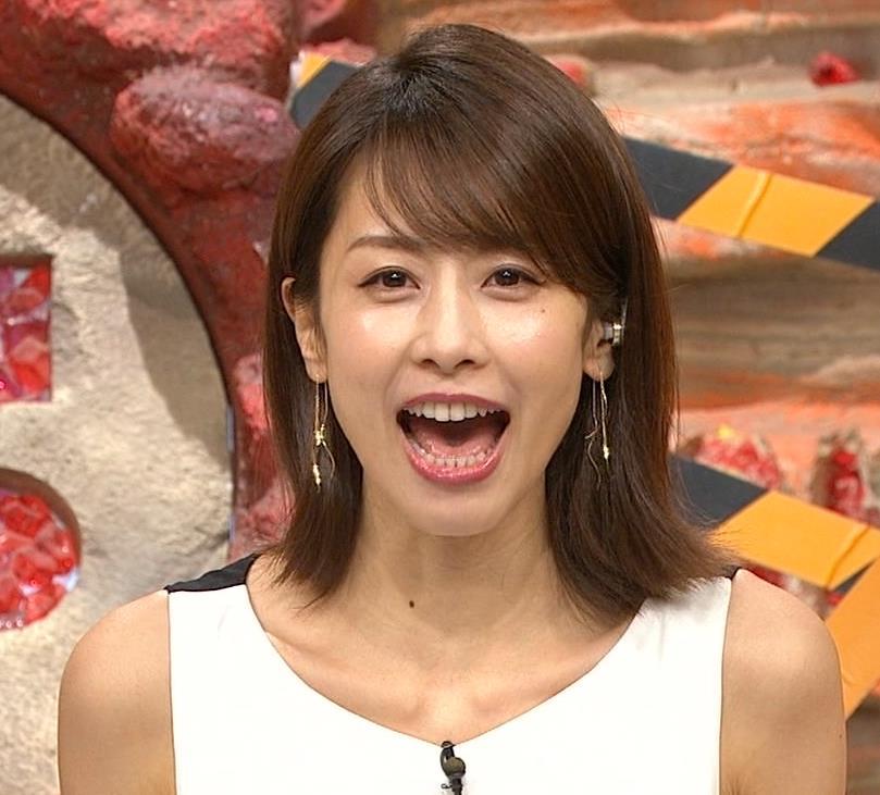 加藤綾子 毎度ワキがエロいノースリーブキャプ・エロ画像2