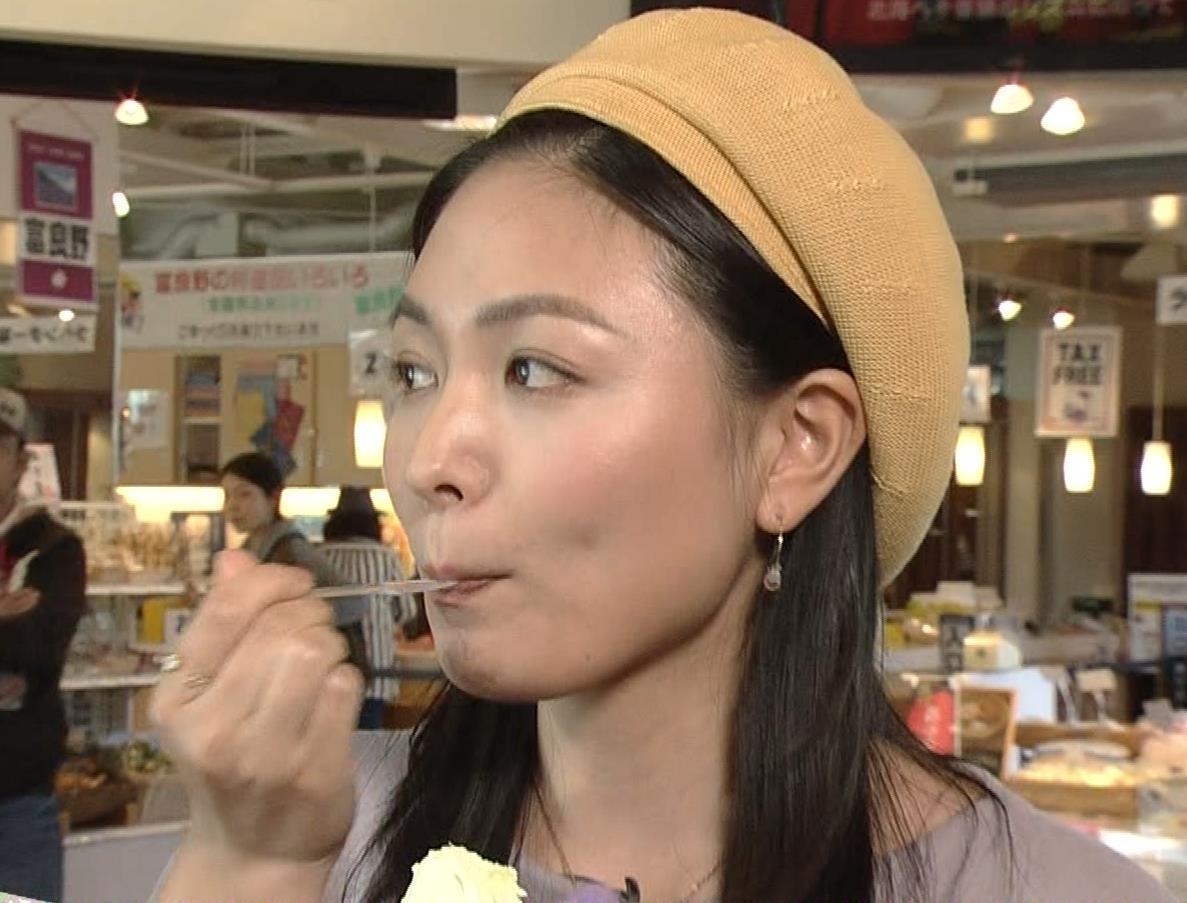 川村ゆきえ NHKで疑似フェラ連発!!キャプ・エロ画像18