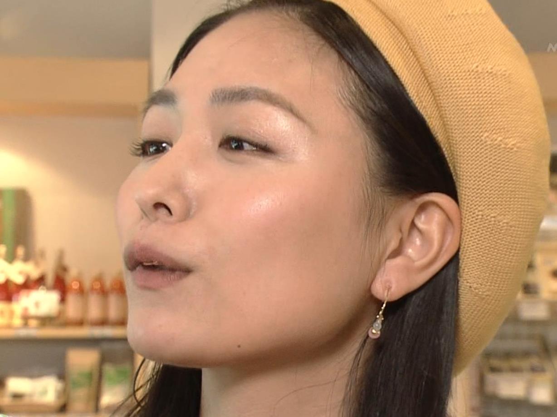 川村ゆきえ NHKで疑似フェラ連発!!キャプ・エロ画像22