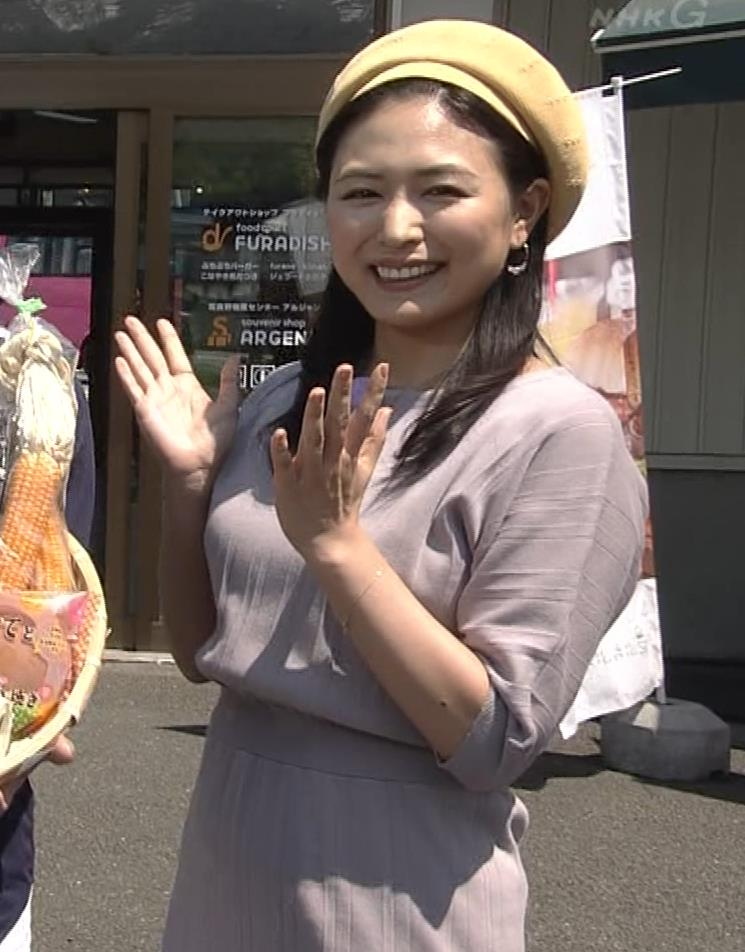 川村ゆきえ NHKで疑似フェラ連発!!キャプ・エロ画像7