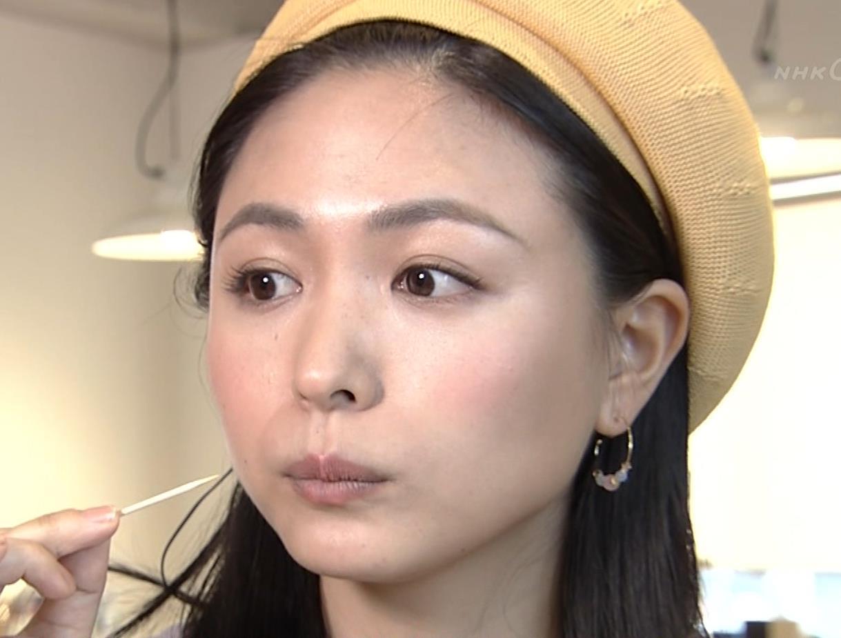 川村ゆきえ NHKで疑似フェラ連発!!キャプ・エロ画像10
