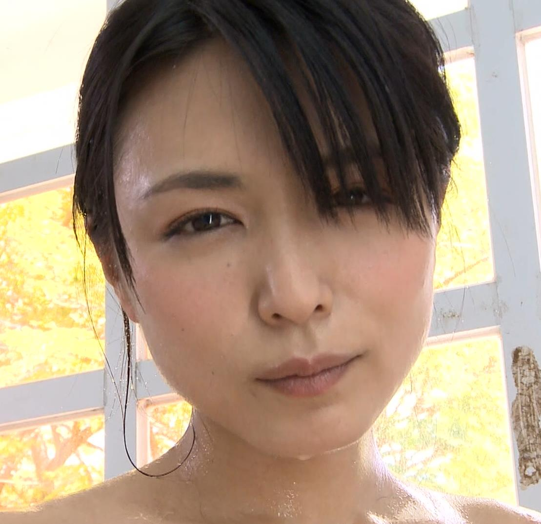 川村ゆきえ おっぱいにキスマーク??キャプ・エロ画像8