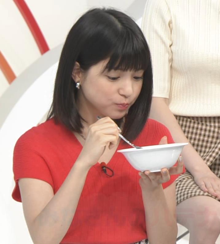 川島海荷 ワキチラ&ニット乳キャプ・エロ画像6