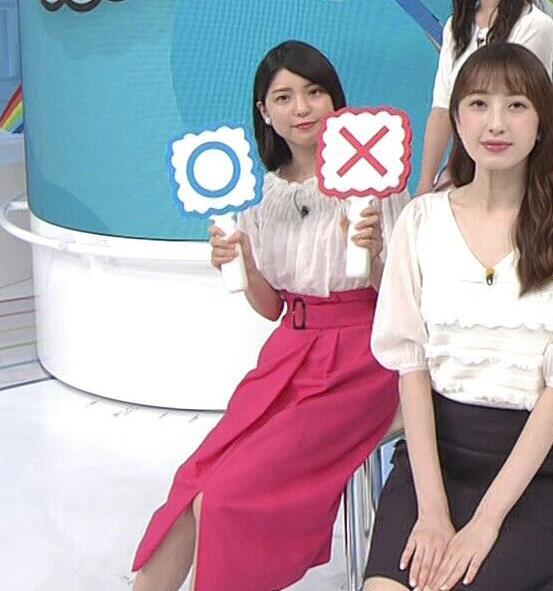 川島海荷 ピンクの長いスカートのスリットキャプ・エロ画像9