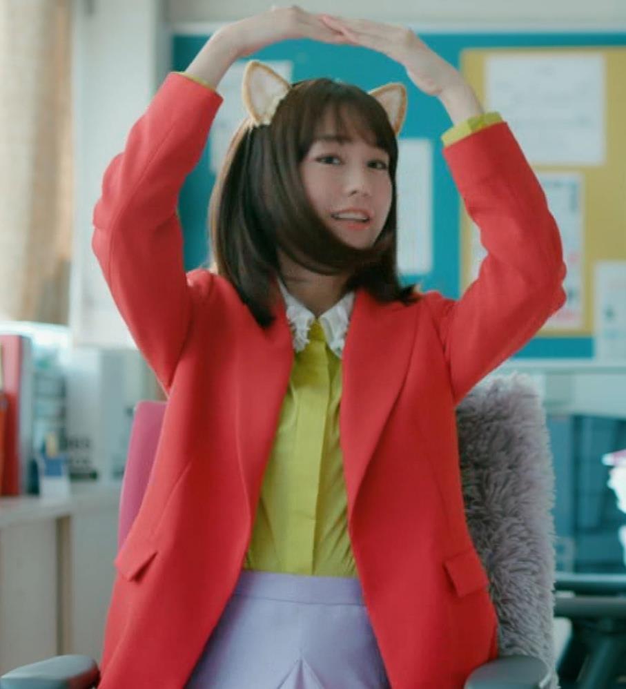桐谷美玲 キスシーン&猫耳キャプ・エロ画像3