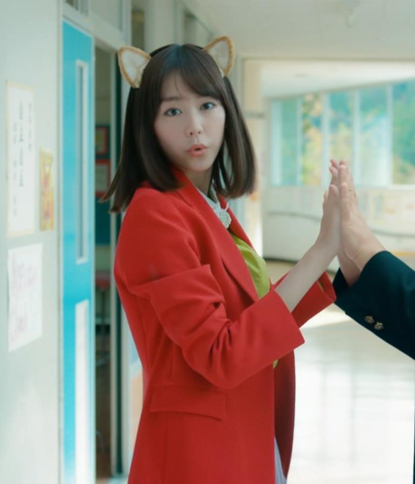 桐谷美玲 キスシーン&猫耳キャプ・エロ画像8