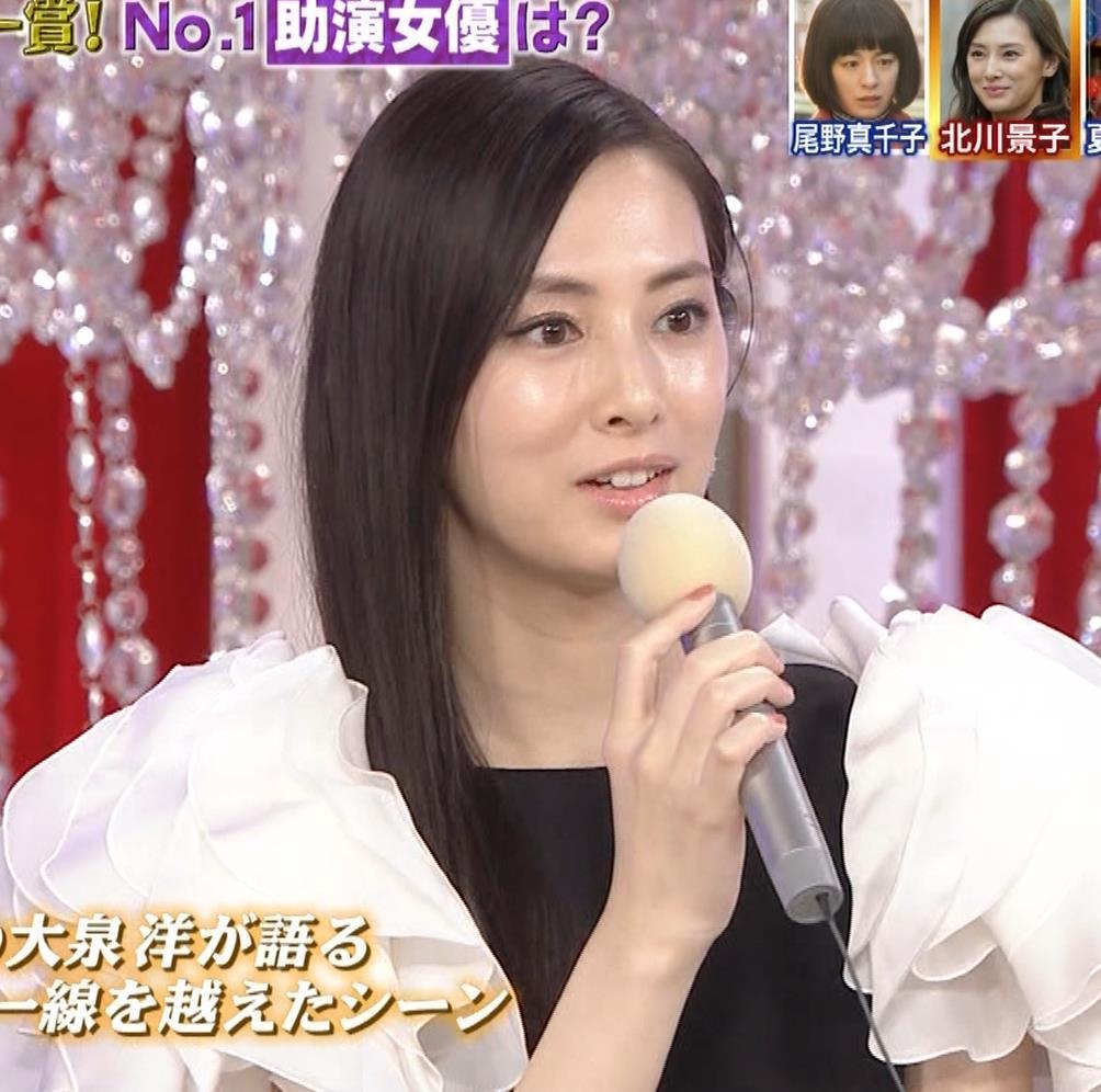 北川景子 パンツが見えそうなドレス(GIF動画あり)キャプ・エロ画像6