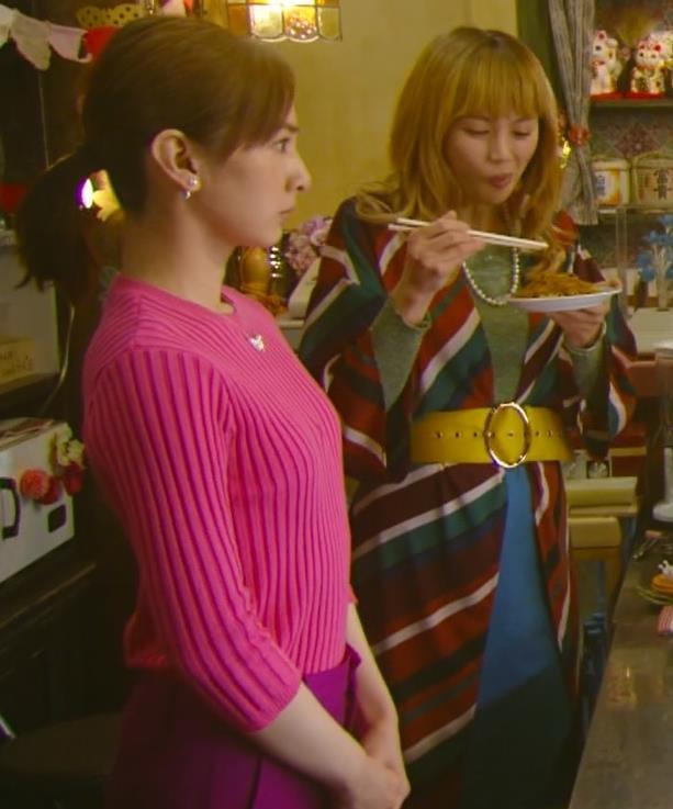 北川景子 微乳だとわかるぴったりニットキャプ・エロ画像6