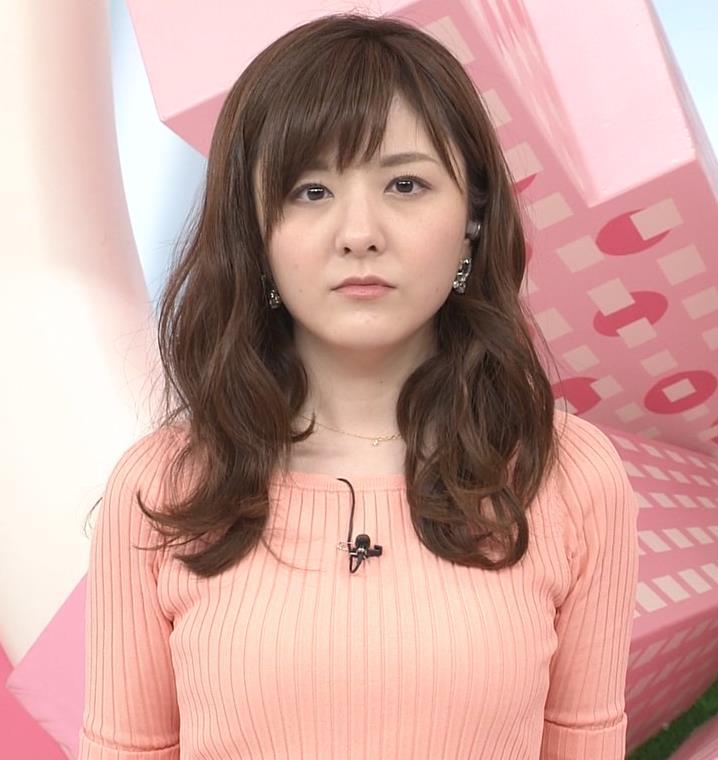 小菅晴香アナ おっぱいがデカそうなニット乳キャプ・エロ画像