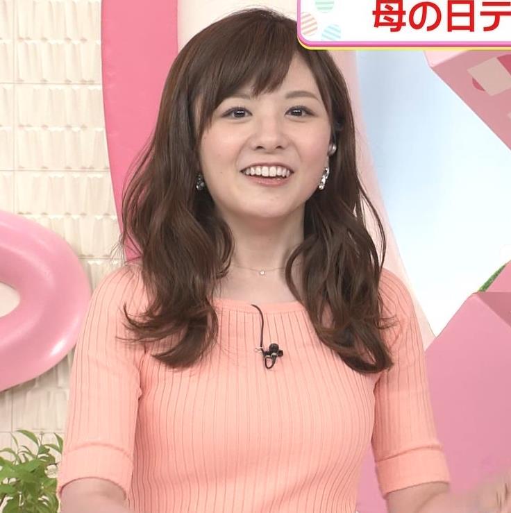 小菅晴香アナ おっぱいがデカそうなニット乳キャプ・エロ画像4