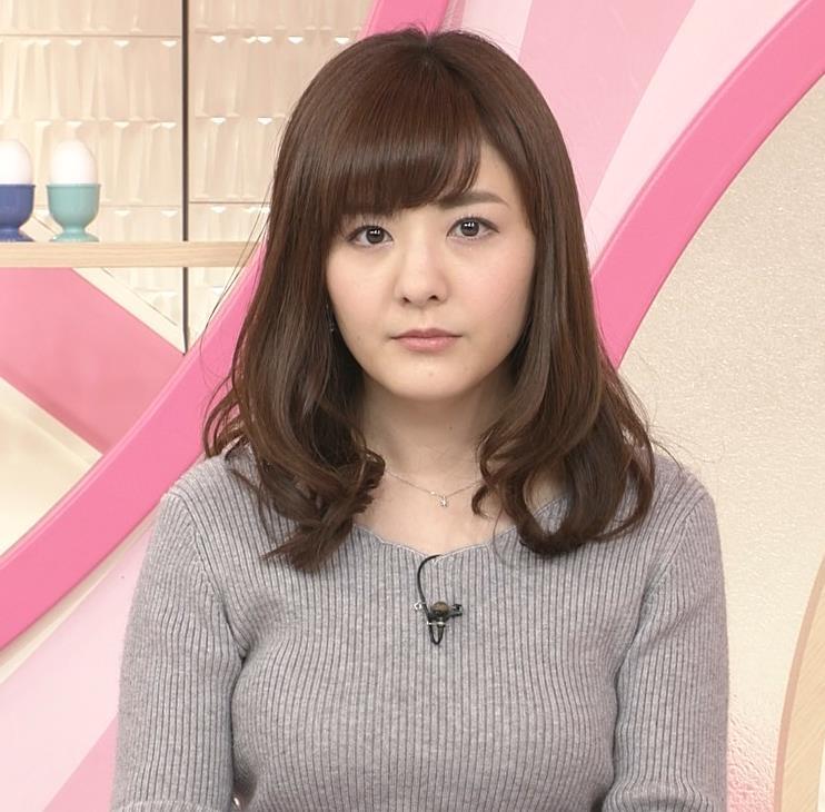小菅晴香アナ oha4キャスターのニットおっぱいキャプ・エロ画像6