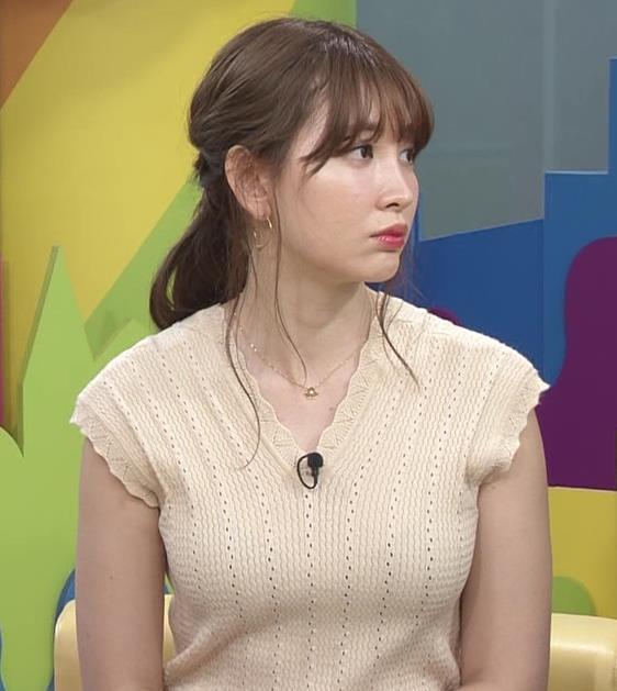 小嶋陽菜 服の上からでも形のよさそうなおっぱいキャプ・エロ画像5