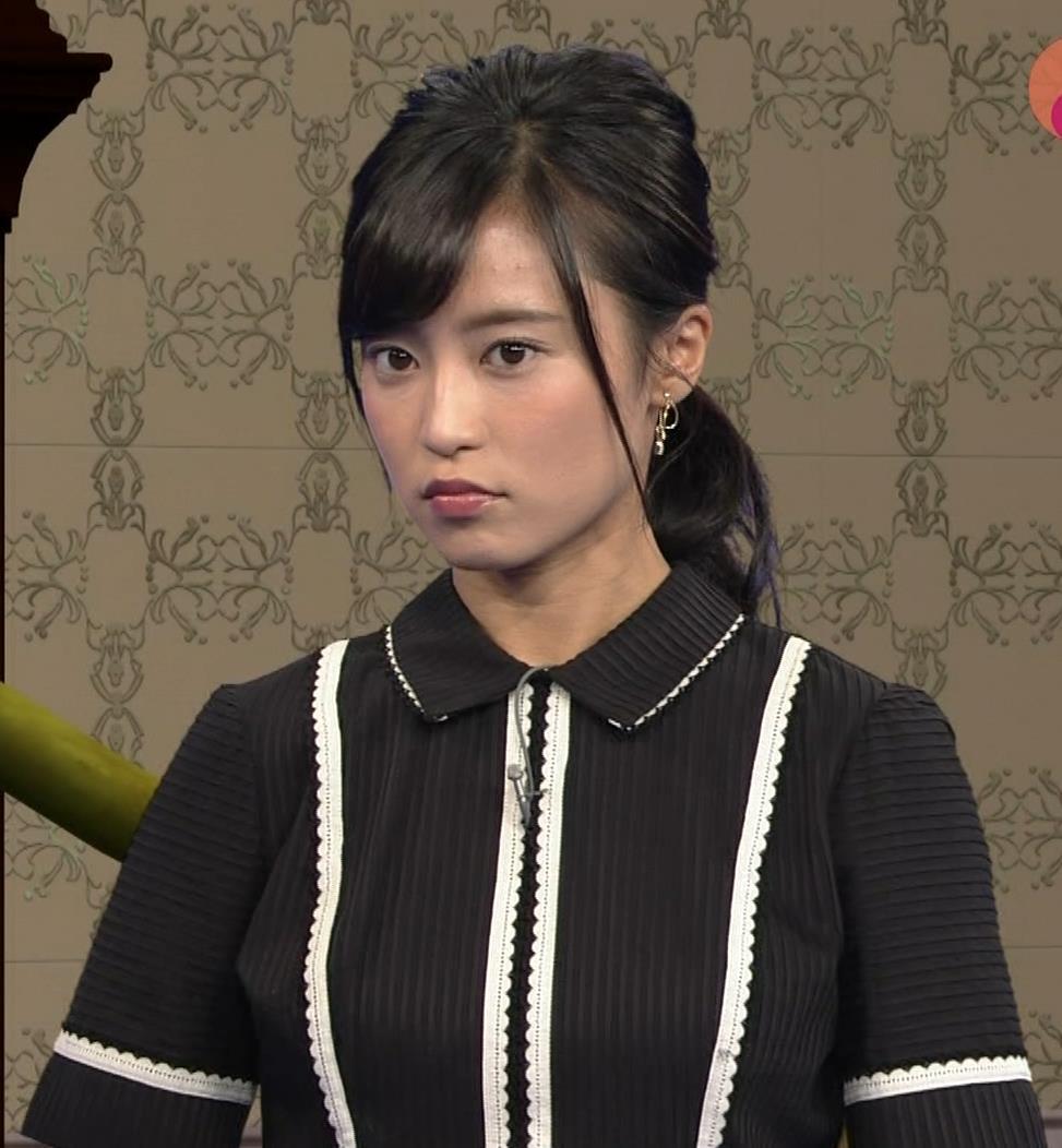 小島瑠璃子 ありそうでなさそうな着衣おっぱいキャプ・エロ画像4