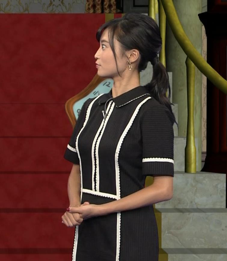 小島瑠璃子 ありそうでなさそうな着衣おっぱいキャプ・エロ画像5