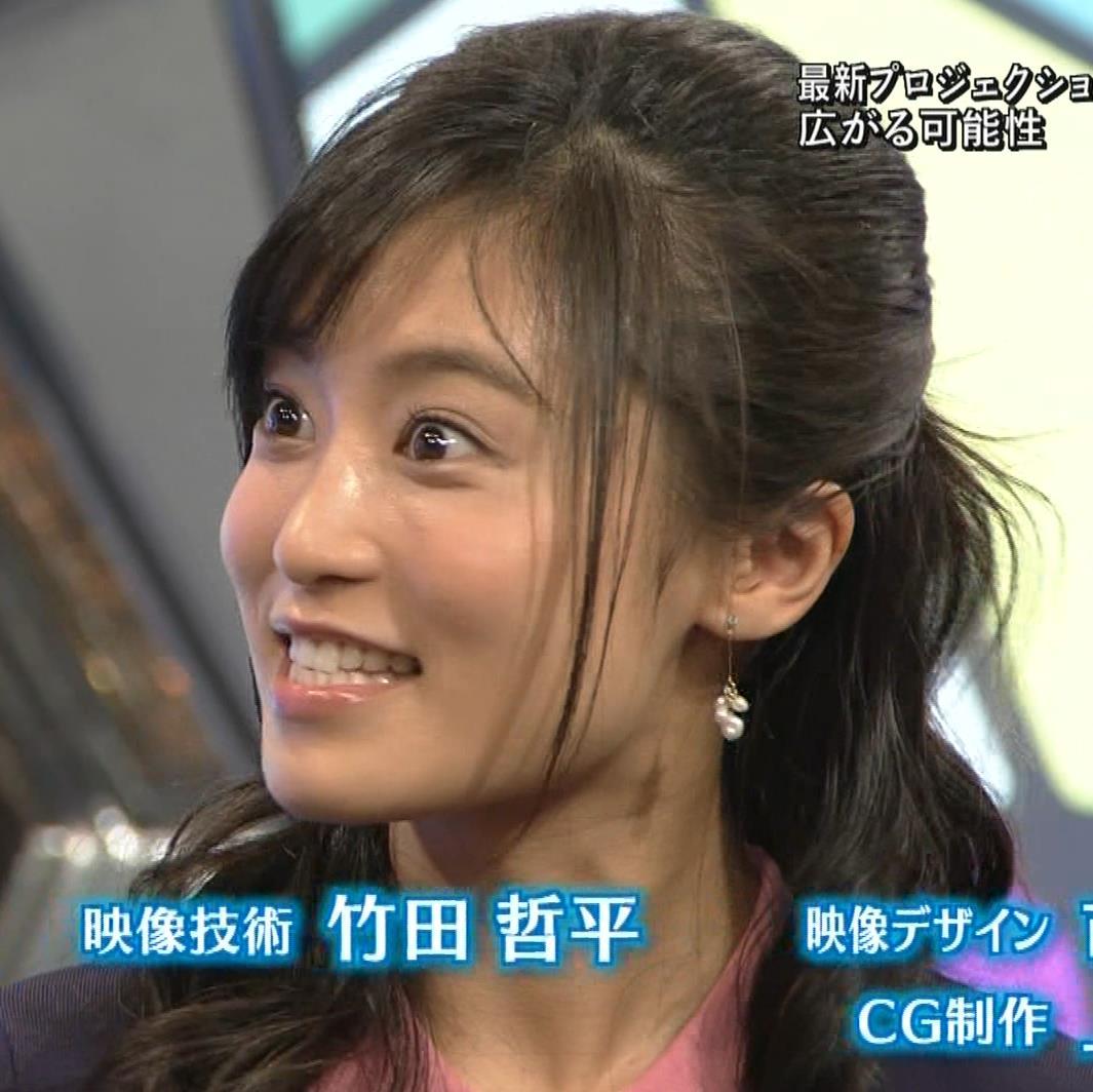 小島瑠璃子 スカートがパツパツキャプ・エロ画像15