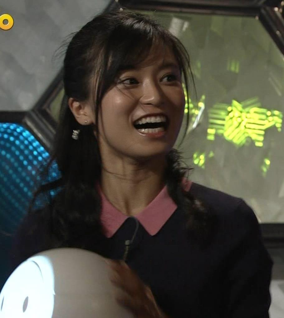 小島瑠璃子 スカートがパツパツキャプ・エロ画像5