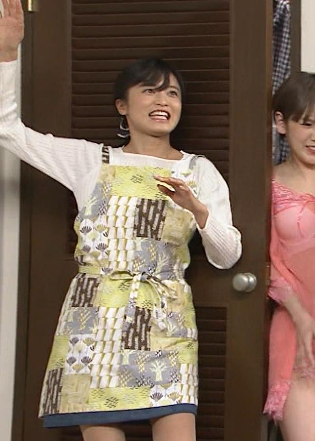 小島瑠璃子 胸元チラとかミニスカ脚とかキャプ・エロ画像11