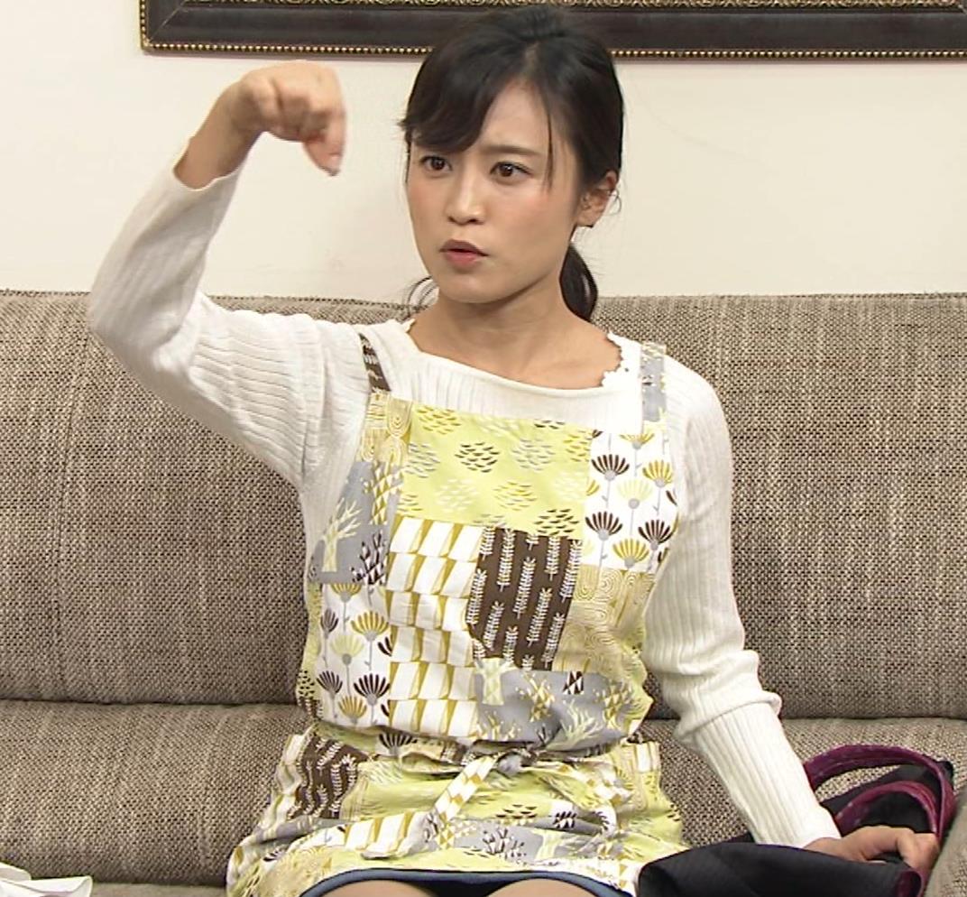 小島瑠璃子 胸元チラとかミニスカ脚とかキャプ・エロ画像3