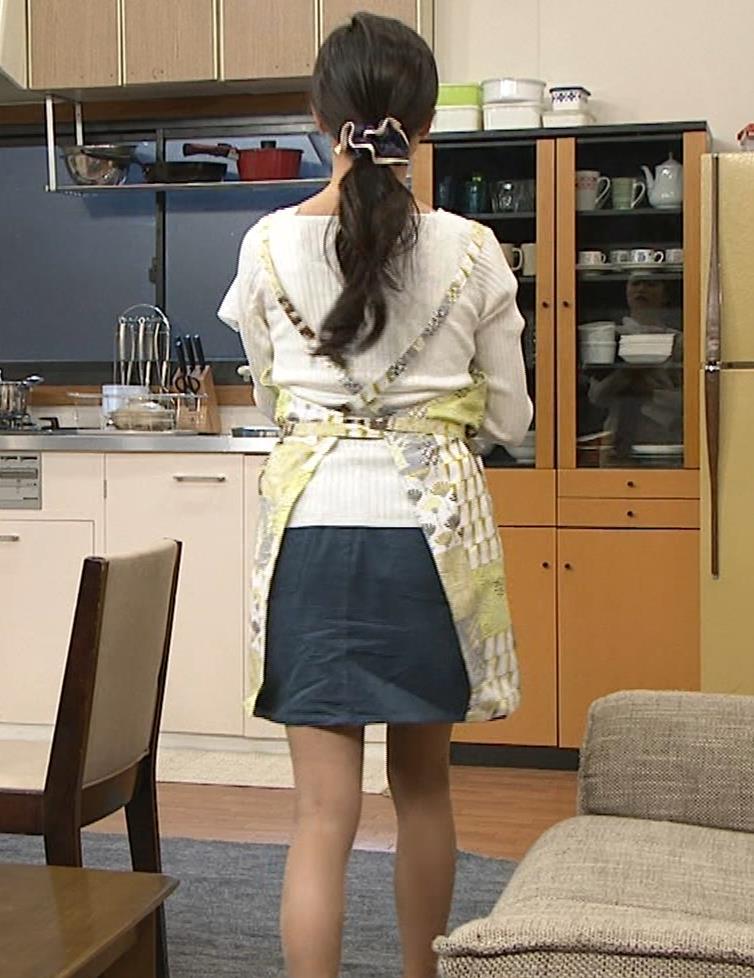 小島瑠璃子 胸元チラとかミニスカ脚とかキャプ・エロ画像10