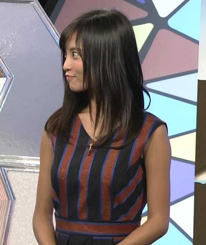 小島瑠璃子 ノースリーブ横乳キャプ・エロ画像11