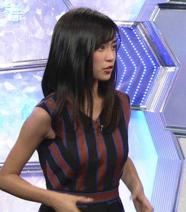 小島瑠璃子 ノースリーブ横乳キャプ・エロ画像9